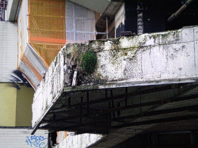 Verrottende Betonstruktur am Ihmezentrum in Hannover-Linden